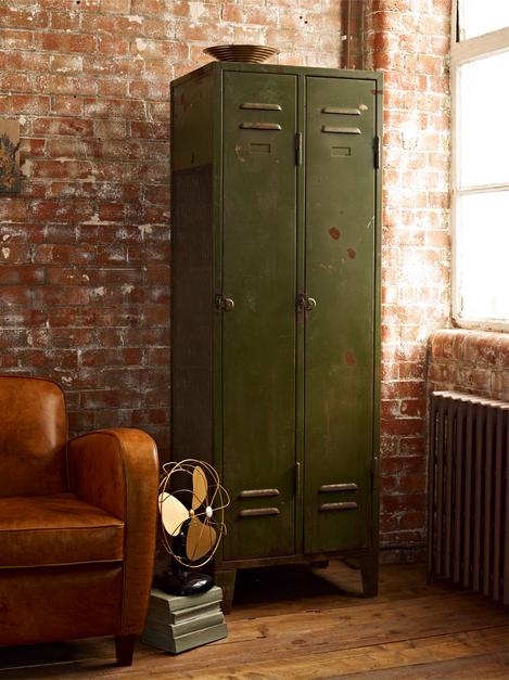 Kovový nábytok
